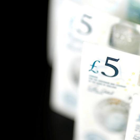 Pound recovers from 1-month lows vs euro as rate cut bets melt
