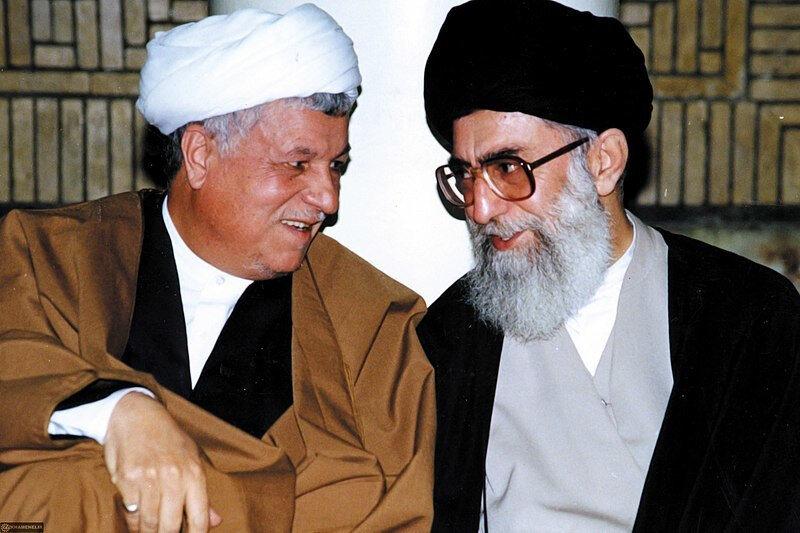Haşimi Rafsancani (solda) ve Ali Hamaney.
