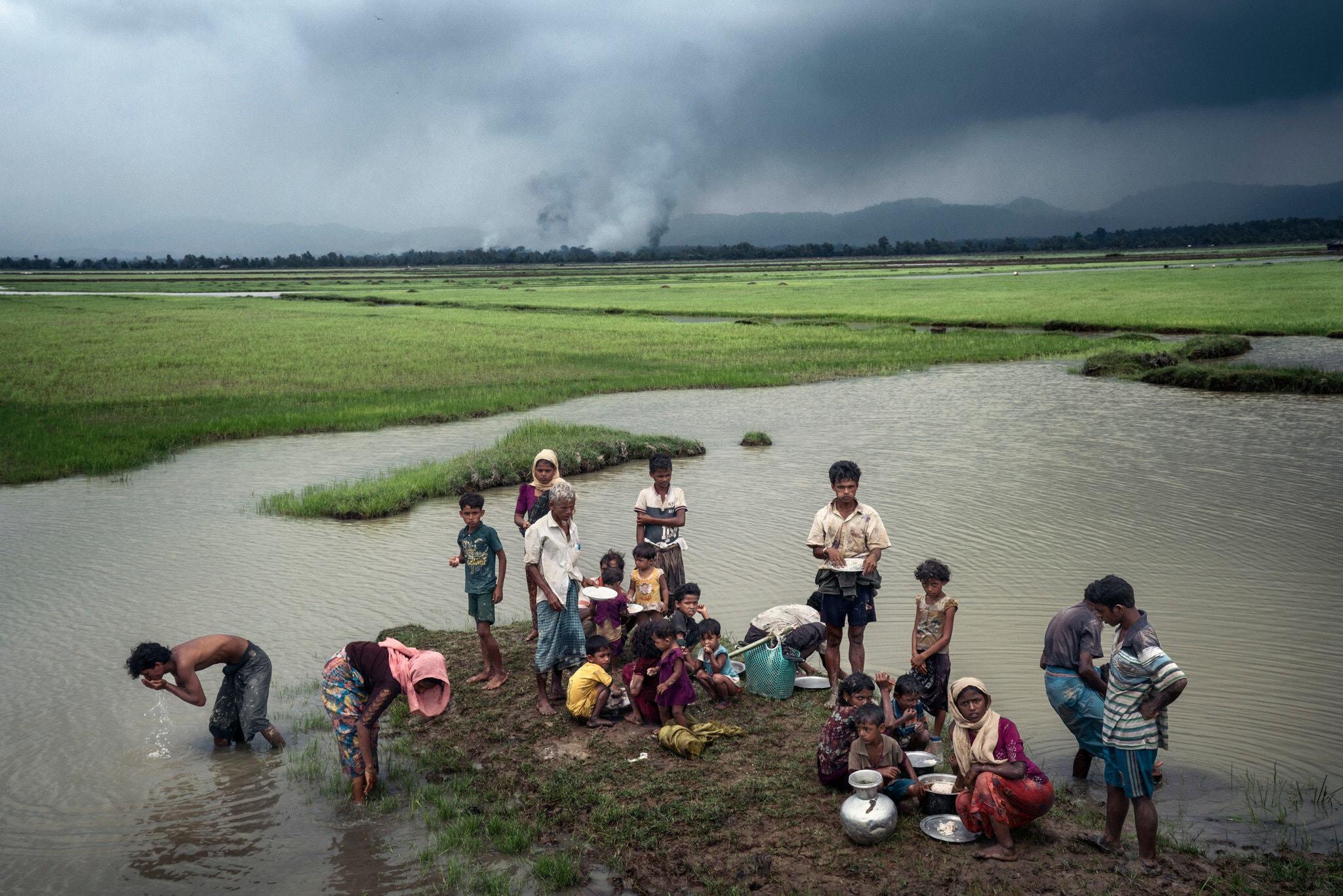 Myanmar'dan kaçan Arakanlı Müslümanlar.