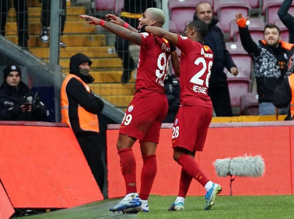 Mario Lemina sarı-kırmızılı forma ile ilk golünü attı.