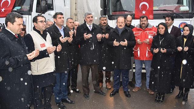 ولايات تركية ترسل 15 شاحنة مساعدات إنسانية إلى إدلب