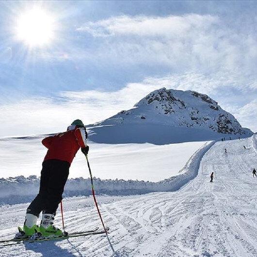 هكّاري التركية.. مركز للتزلج يستقطب عشاق الرياضات الشتوية في إيران والعراق