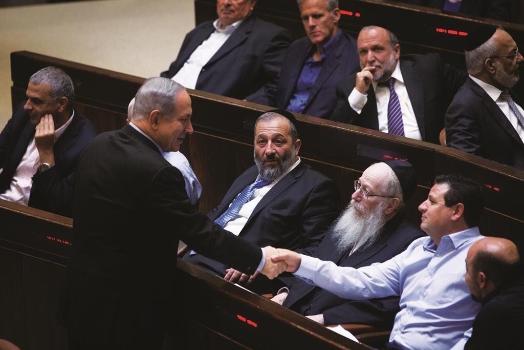 Netanyahu'nun partisi Likud, sözde barış planının açıklanmasının ardından anketlere göre milletvekili sayısını yükselterek birinci parti konumuna geldi.