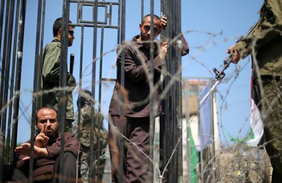 İsrail hapishanelerindeki Filistinli tutuklular.