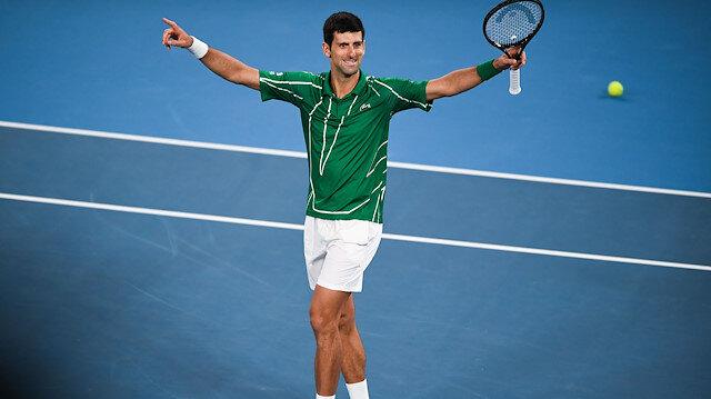 Dominic Thiem'i 3-2 mağlup eden Novak Djokovic, Avustralya Açık tek erkeklerde şampiyonluğa ulaştı.