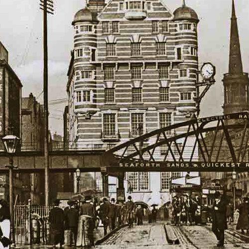 Abdullah Quilliam, 1856 yılında İngiltere'nin Liverpool kentinde dünyaya geldi ve mesleki yaşamını bu kentte sürdürdü.