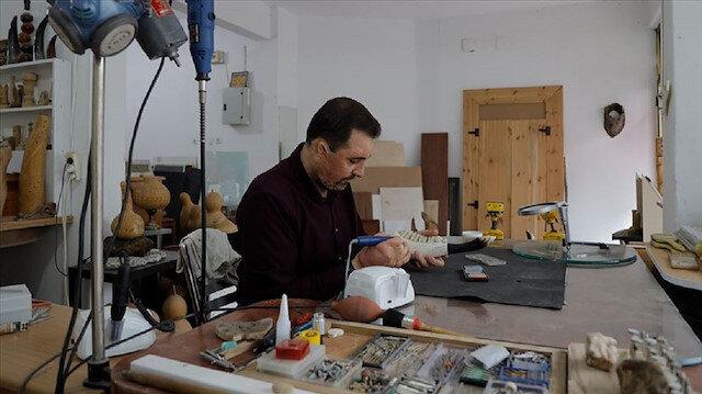 فنان عراقي سوري ينحت في تركيا حضارة الرافدين