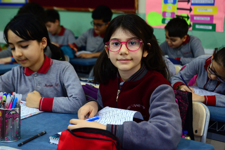 Elanur Akıcı, ileride bilim insanı veya mimar olmak istiyor.