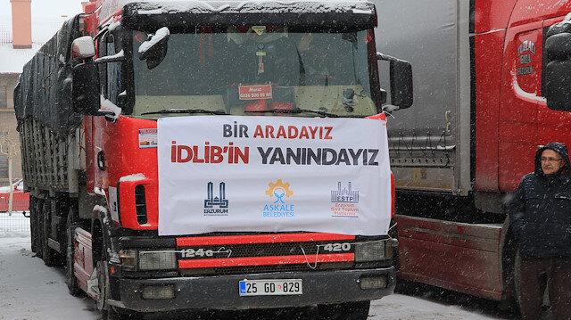 """33 شاحنة مساعدات تركية إلى النازحين في """"إدلب"""""""