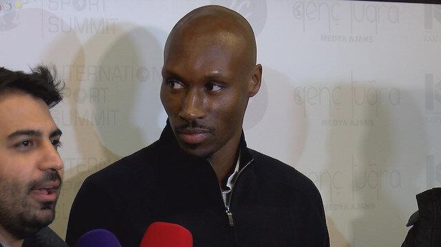 Atiba ligde 18 maçta 4 gol ve 4 asistle oynadı.
