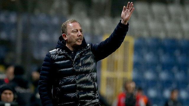 Beşiktaş Teknik Direktörü Sergen Yalçın