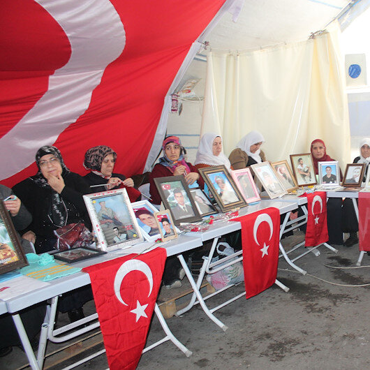 HDP önünde eylem yapan bir aile için daha mutlu son