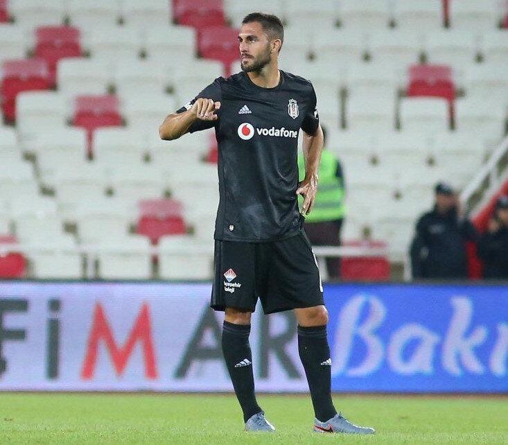Ruiz, siyah-beyazlı formayla 13 Süper Lig maçına çıktı.