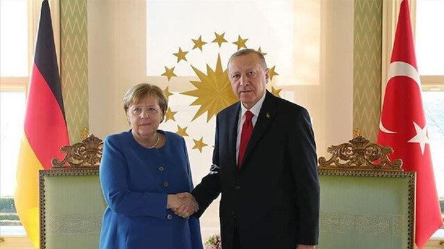 وزير ألماني: ميركل ستهاتف أردوغان حول الهجوم الإرهابي العنصري