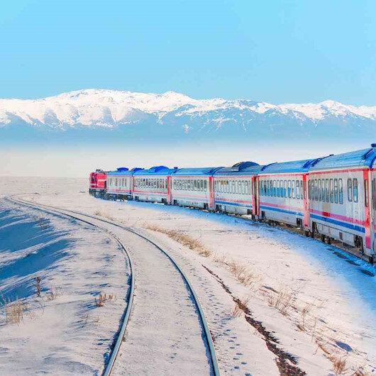 """""""قطار الشرق السريع السياحي"""" بتركيا.. تذكرة نحو كنوز الأناضول"""