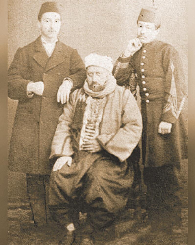 Sultan Abdülaziz tahttan indirildikten sonra çekilmiş utanç verici bir fotoğraf.