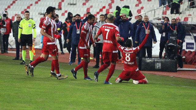 Sivasspor attı <br>G.Saraylılar sevindi