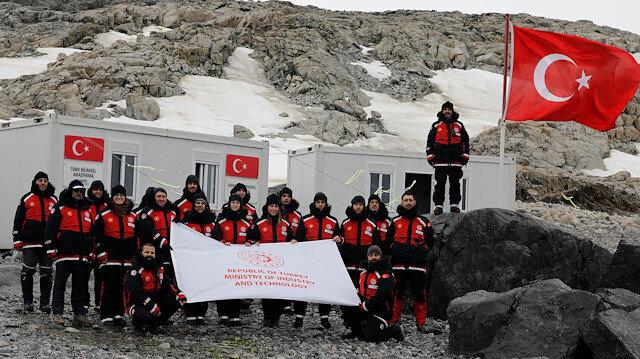 الفريق العلمي التركي يصل قاعدته المؤقتة في أنتاركتيكا