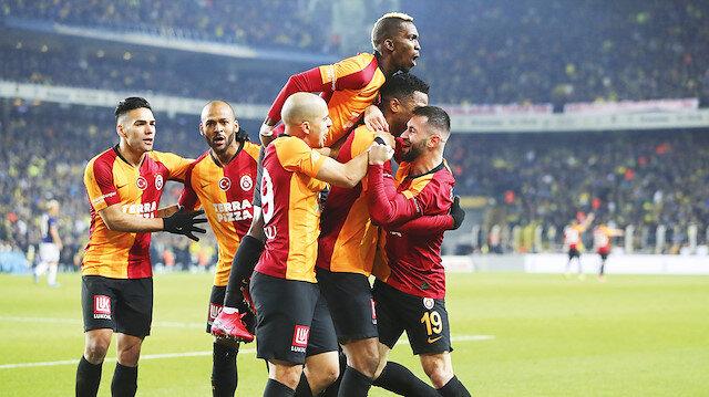 Galatasaray Kadıköy'de Fenerbahça'yi mağlup etti.
