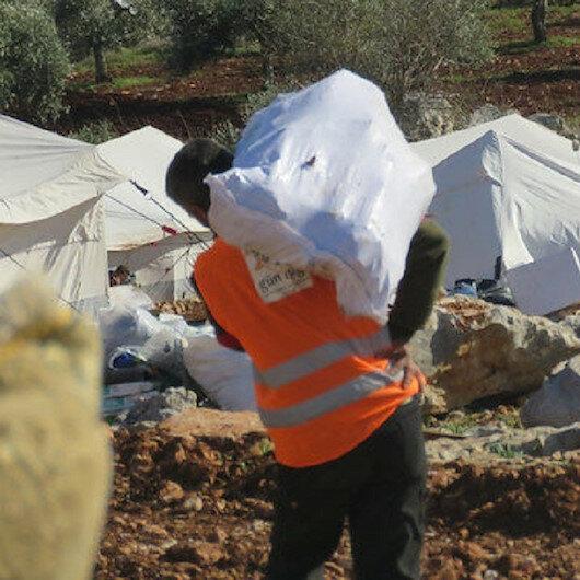جمعيات إغاثية تركية ترسل 25 شاحنة مساعدات لأهالي إدلب