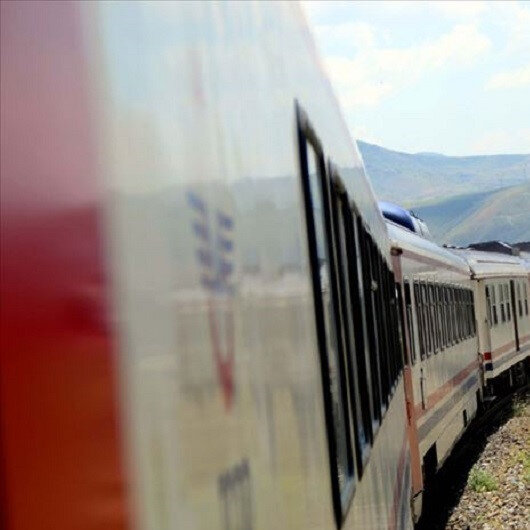 Turkey suspends railway services to Iran due to COVID19