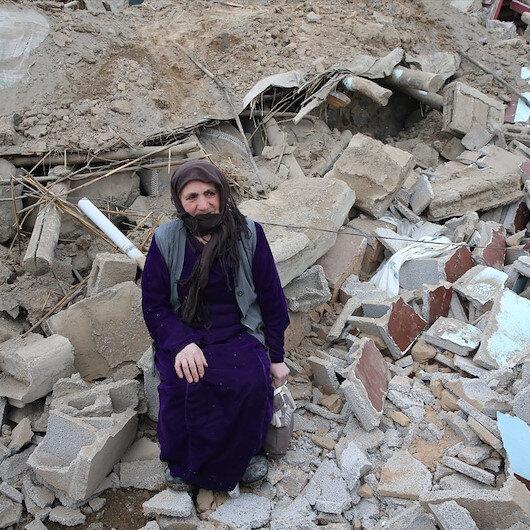 Van'daki depremde hayatını kaybedenlerin sayısı 10'a yükseldi