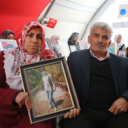 Diyarbakır annelerinin oturma eylemine bir aile daha katıldı: HDP oğlumu nasıl götürmüşse öyle getirsin