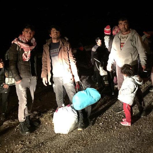 Kapılar açıldı, mülteciler Ayvacık kıyılarına gelmeye başladı