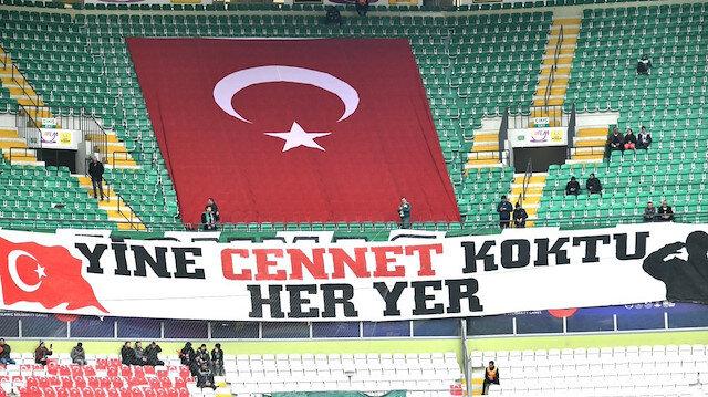 Konyaspor taraftarından duygulandıran pankart: Yine Cennet koktu her yer