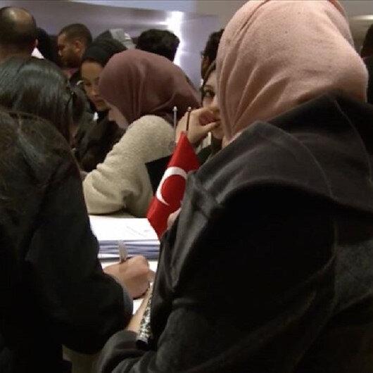 """الجزائر.. إقبال طلابي واسع على معرض """"الجامعات التركية"""""""