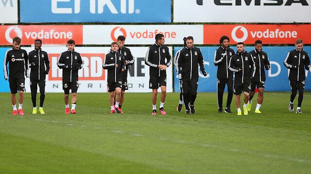 Beşiktaşlı futbolcuların bugün Nevzat Demir Tesisleri'nde koronavirüs testine girmesi bekleniyor.