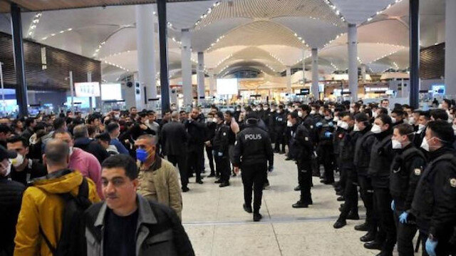 السلطات التركية تنقل أجانب عالقين في مطار اسطنبول إلى مساكن طلابية