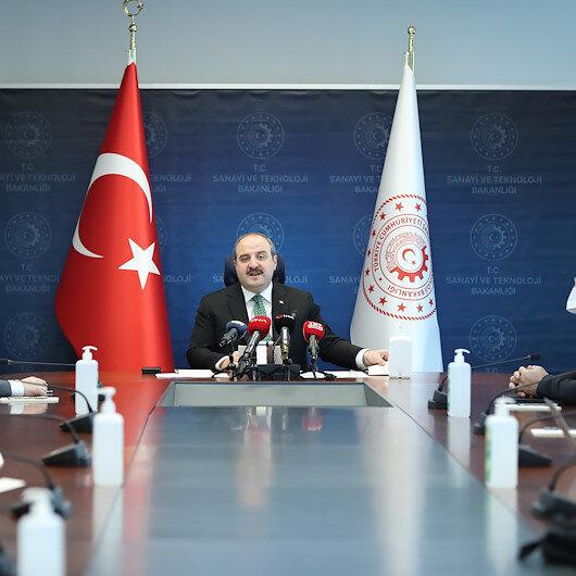 وزير الصناعة التركي: سنقدم لوزارة الصحة ألف جهاز تنفس قريبا