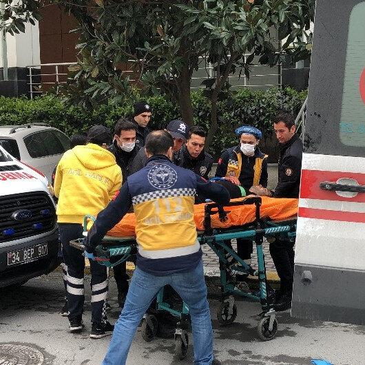 Beylikdüzü'nde maske satışı yapılan iş yerinde silahlar konuştu: 4 yaralı