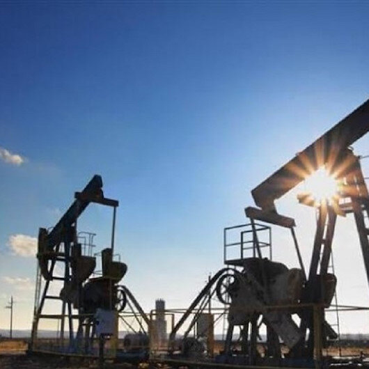 النفط يصعد بعد طلب أمريكي للسعودية وروسيا بتهدئة الأسواق