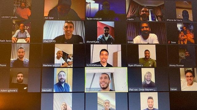 Fatih Terim Galatasaraylı futbolcularla video konferansla görüştü