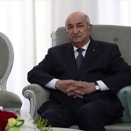 الرئيس الجزائري يمنع تبادل الهدايا بين المسؤولين