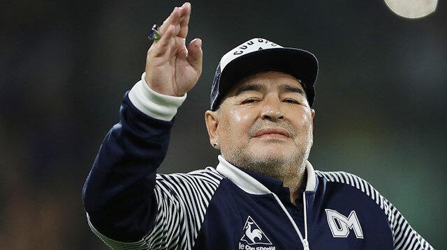 Maradona'dan büyük fedakarlık: Maaşımı kesin