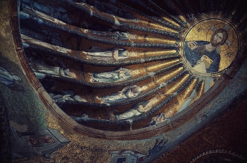 İlk önce manastır olarak 534 yılında I. Justinianus döneminde Aziz Teodius tarafından yapılmıştır.