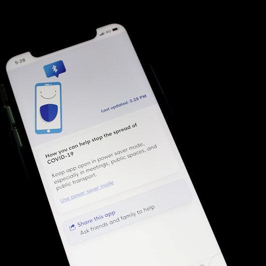 Australians urged to adopt phone tracking app in coronavirus fight