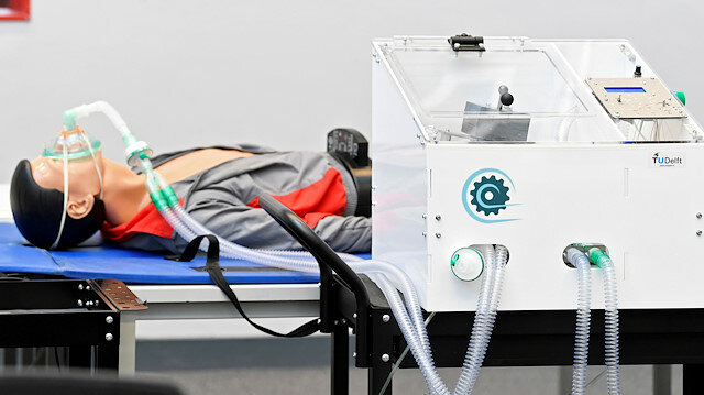 : Tests are run with a ventilator prototype, inspired by a machine