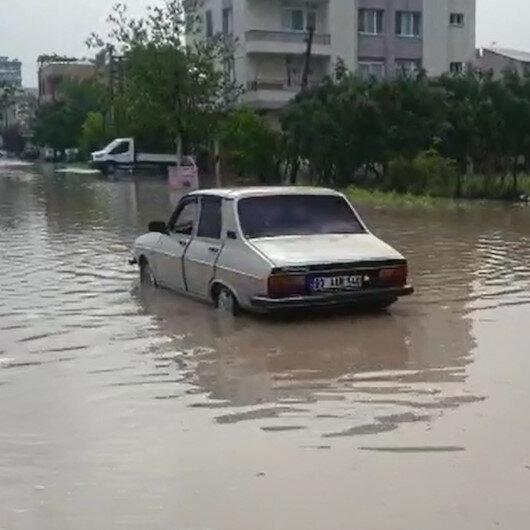 Osmaniye'de sağanak yağış su baskınlarına neden oldu