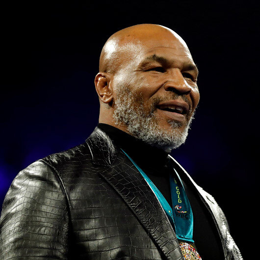 Boxing: 'I'm back' declares Tyson in training video