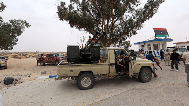 Fighters loyal to Libya's internationally recognised government are seen