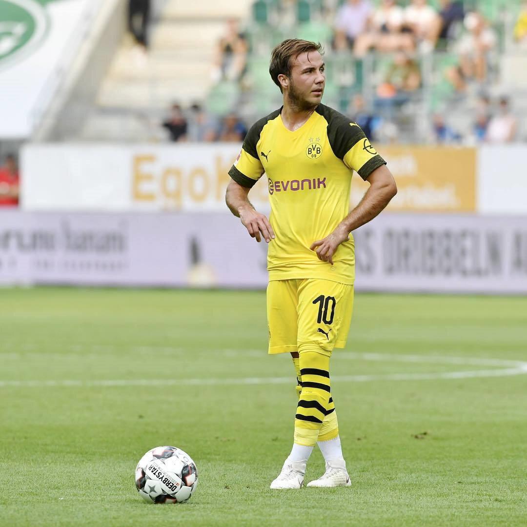 Dortmund A Takımı formasıyla çıktığı 218 maçta 45 gol atarken, 61 de asist kaydetti.