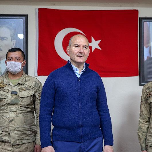 """وزير تركي يعايد قوات بلاده بمنطقة """"درع الفرات"""" في سوريا"""