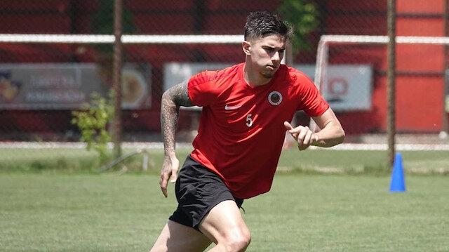 Berat Özdemir'in hedefi EURO 2021