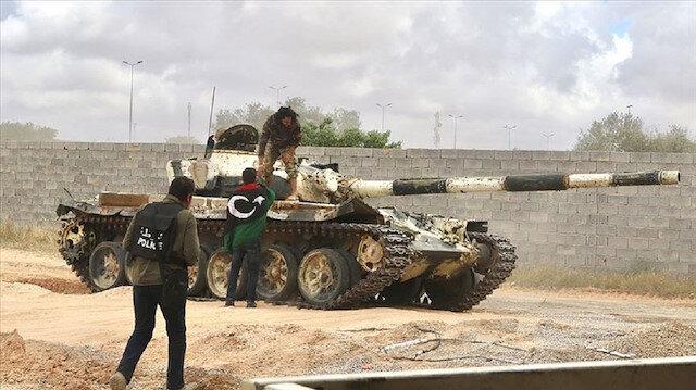 """الجيش الليبي يسيطر على حي """"الكايخ"""" المحيط بـ""""قصر بن غشير"""""""
