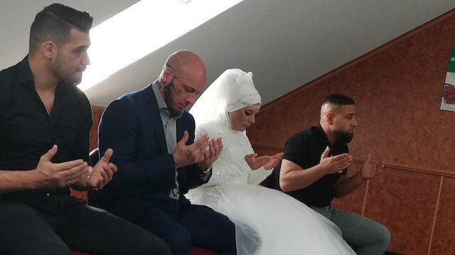 İslam'ı seçen Avusturyalı dövüşçü Ott'un nişanlısı da Müslüman oldu