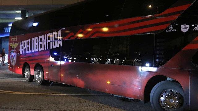 Benfica otobüsüne taşlı saldırı: 2 futbolcu yaralandı